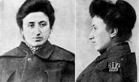 Gleichheit. Rosa Luxemburgo - texto de  María Julia Bertoméu - revista chilena El Porteño Rosa-luxemburgo-policial