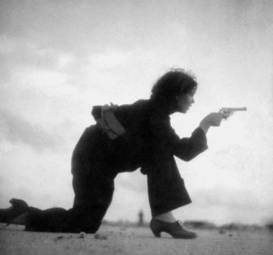 Entrenamiento de una mujer republicana. Gerda Taro